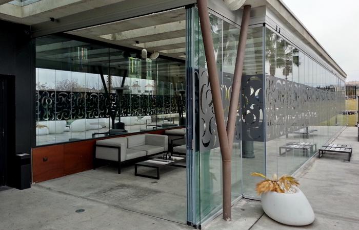 Acristalamiento de terrazas en m laga y cortinas de cristal for Acristalamiento de terrazas precios